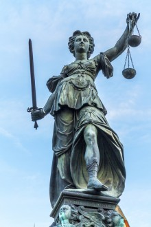 When you are ready to take the first step on the road to justice, here are some tips to follow on how to choose the best personal injury attorney to represent you.