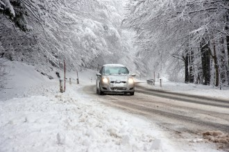 Winter car kits should include things that can help you contact help and that can keep you safe while you wait for help to arrive.
