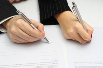 An experienced Littleton divorce lawyer explains some of the most important things to know about serving divorce papers in Colorado. Contact us for the best Colorado divorce representation.